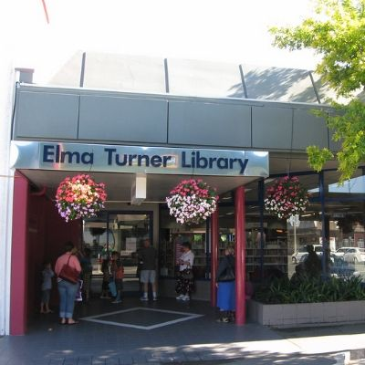 Elma Turner Library